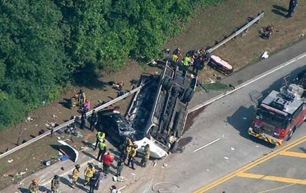 У США перекинувся автобус: 40 постраждалих