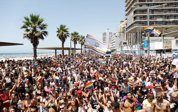 На гей-парад в Тель-Авиве вышли сотни тысяч людей