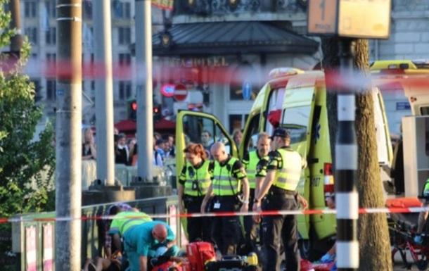 Наїзд на пішоходів в Амстердамі: постраждали восьмеро