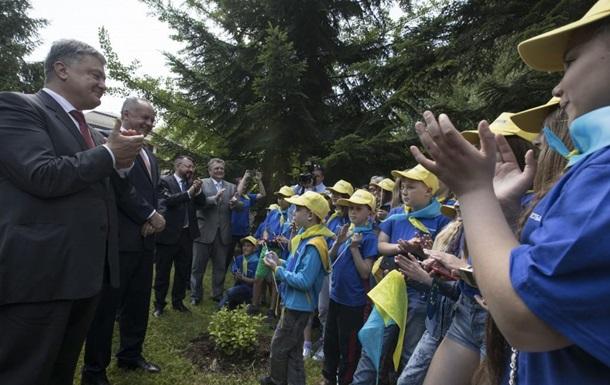 Порошенко: Будем в ЕС, когда школьники вырастут