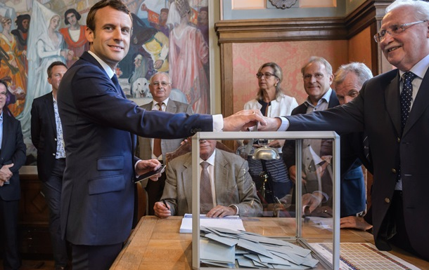 Выборы во Франции: лидирует партия Макрона
