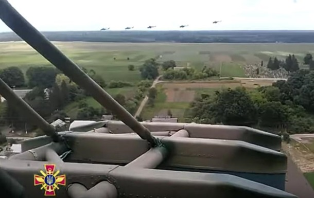 Армия показала  крылатую пехоту  в действии