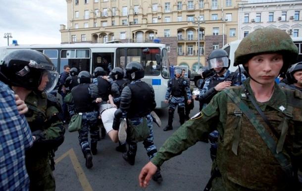 В РФ задержали более тысячи участников протеста