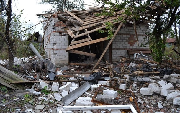 Житлові райони Авдіївки і Мар їнки обстріляли