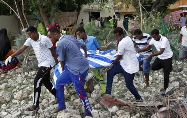 Теракт і захоплення заручників у Сомалі: десятки загиблих і поранених