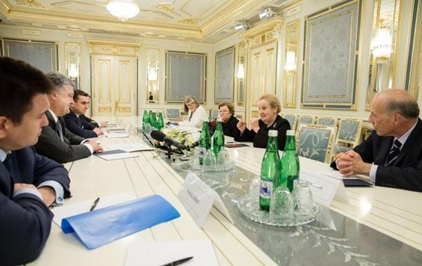 Экс-госсекретарь США: Украине надо дать оружие