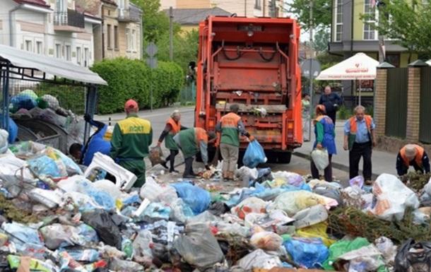 У Львові накопичилося 8,5 тисячі тонн сміття