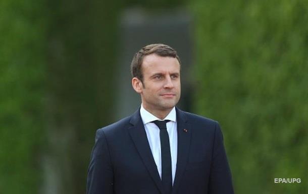 У Франції пройшли обшуки за справою, що стосується Макрона