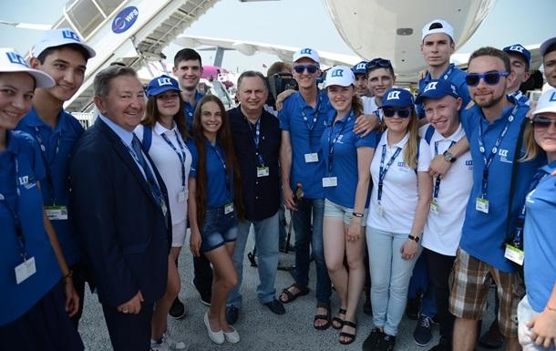 Борис Колесников показал сотне победителей проекта  Авиатор 2017  авиасалон Ле Бурже в Париже