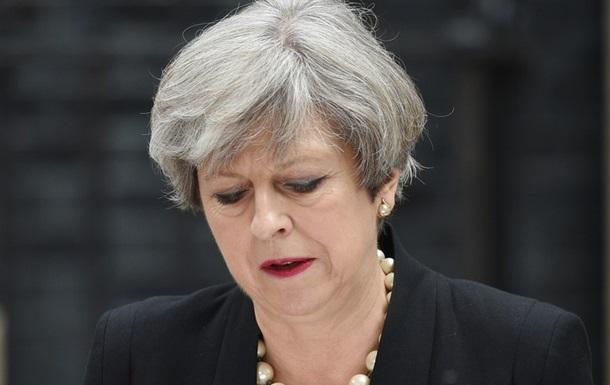 Прем єр Британії перепросила за реакцію на пожежу в Лондоні