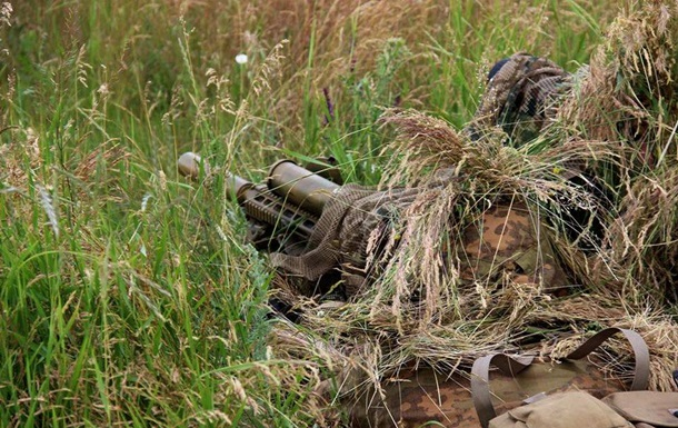 Доба в АТО: по позиціях військових били з танків