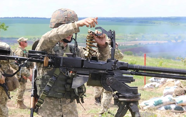 МВС: Десь 500 бійців АТО пішли з життя добровільно