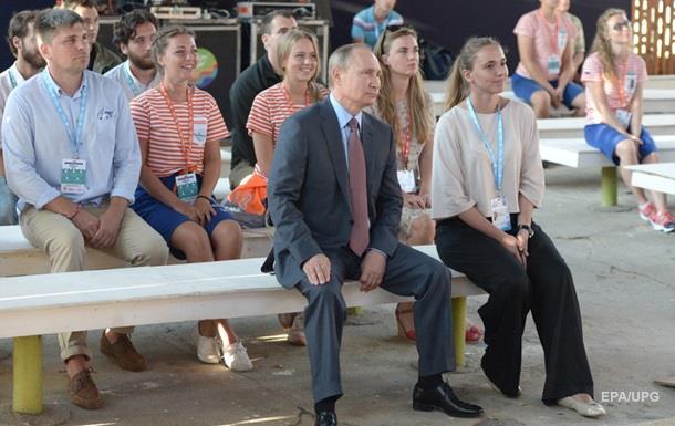 Путін знову відвідає окупований Крим