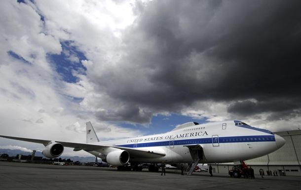 В США торнадо повредил самолеты судного дня