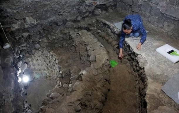 В Мексике нашли пирамиду из человеческих черепов
