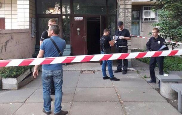 В подъезде многоэтажки Киева застрелили мужчину