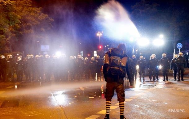 У мережі показали розгін демонстрантів перед G20