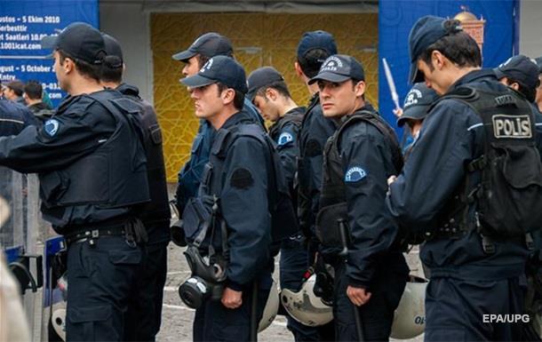 У Туреччині затримали правозахисників Amnesty International