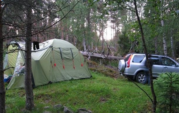 В Геническе джип раздавил палатку с отдыхающими