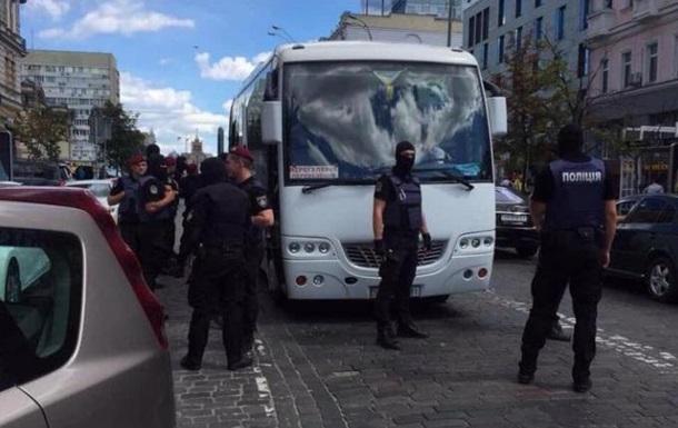 СМИ: В центре Киева задержали провокаторов