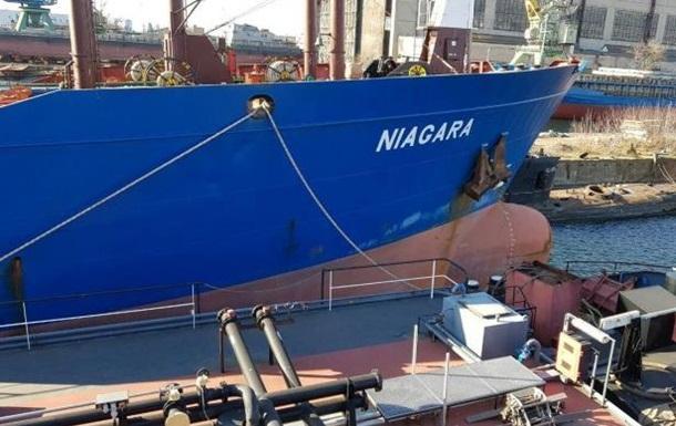 Киев продает российские танкеры за долги