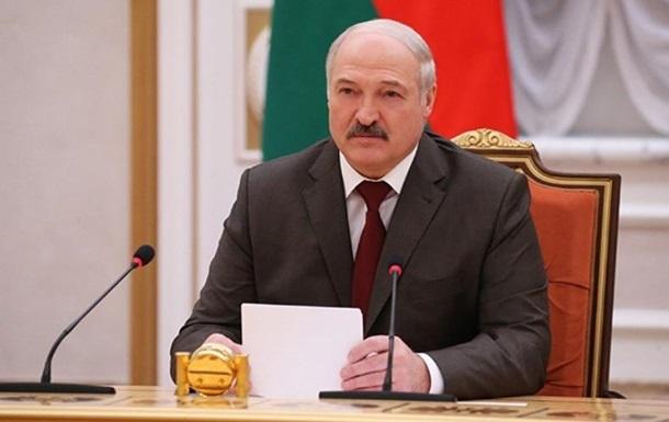 Лукашенко закликав заможних білорусів відроджувати свої рідні пенати