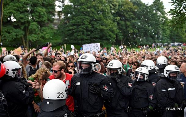 При беспорядках в Гамбурге пострадали почти 500 полицейских