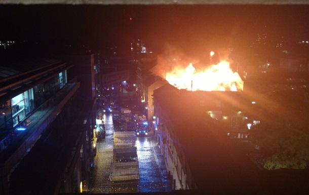 У Лондоні гасять велику пожежу