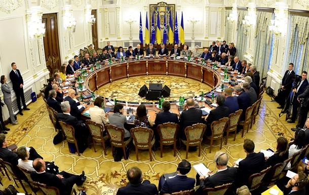 Украина не будет пока подавать заявку в НАТО