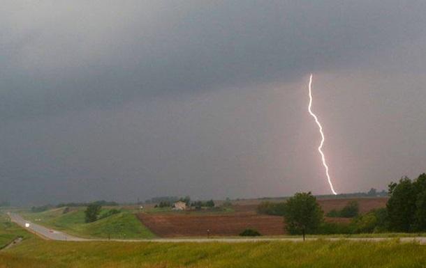 В Черкасской области молния убила семью