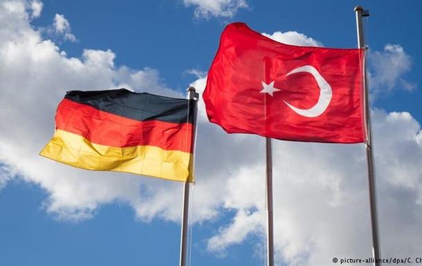 З початку року притулку в ФРН попросили більше 3200 турків