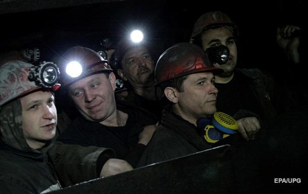 На Луганщине шахтеры бастуют под землей