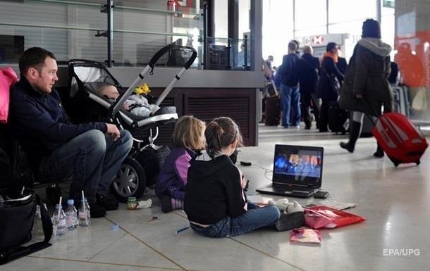 США повністю скасували заборону на провезення ноутбуків у літаках