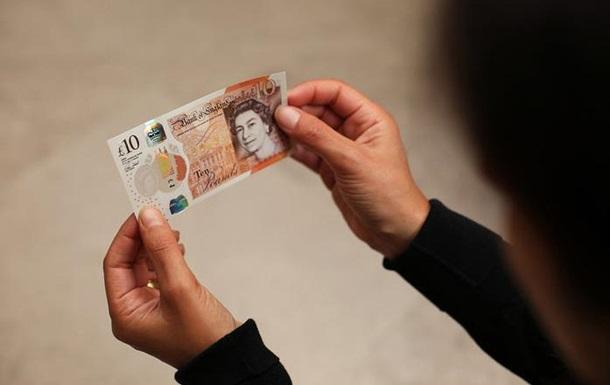 В Великобритании представили новые пластиковые десять фунтов