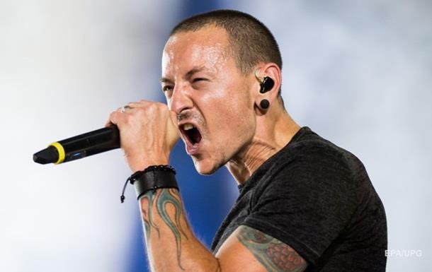 Суицид лидера Linkin Park сравнили с самоубийством Конелла