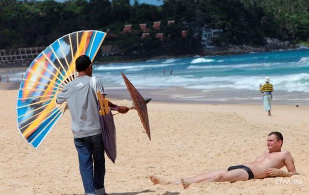В Таиланде задержали двух голых россиян на пляже − СМИ