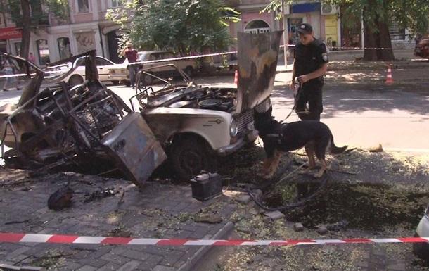 Взрыв машины в Одессе: найдены следы взрывчатки