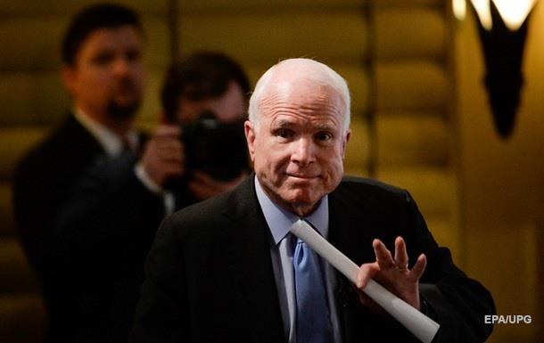 Маккейн, котрий переніс операцію, повертається до роботи над санкціями проти РФ
