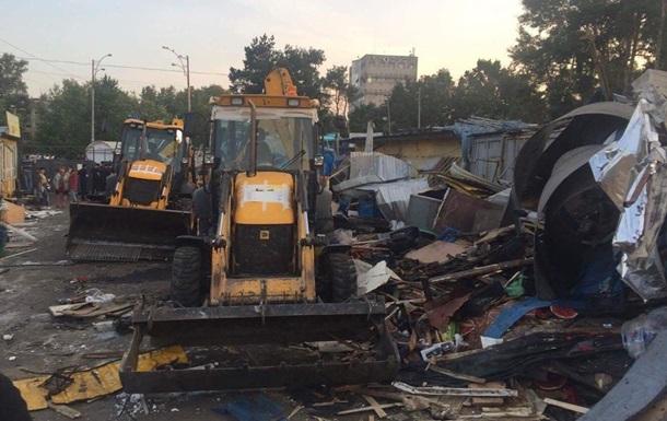 В Киеве рынок на Лесной снесли по решению суда - мэрия