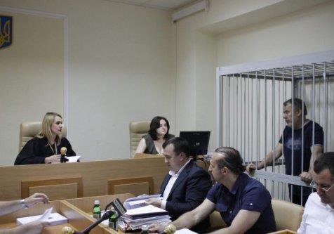 В Печерском суде продолжается кривосудие над Денисюком