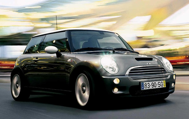 Названа дата выхода первого электрокара Mini Cooper