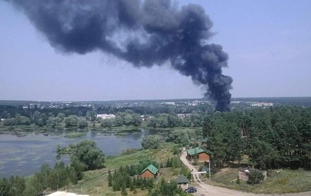 На Харьковщине горят склады, есть пострадавшие