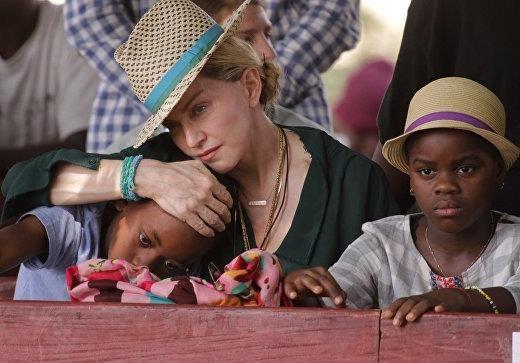 Мадонна согласилась на компенсацию от DMG Media за вторжение в личную жизнь