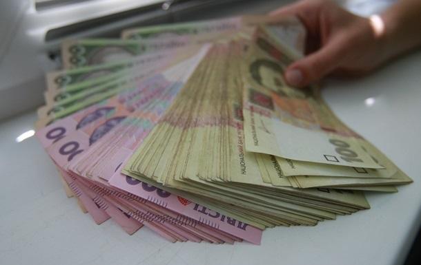 Реальная зарплата в Украине выросла почти на 20%