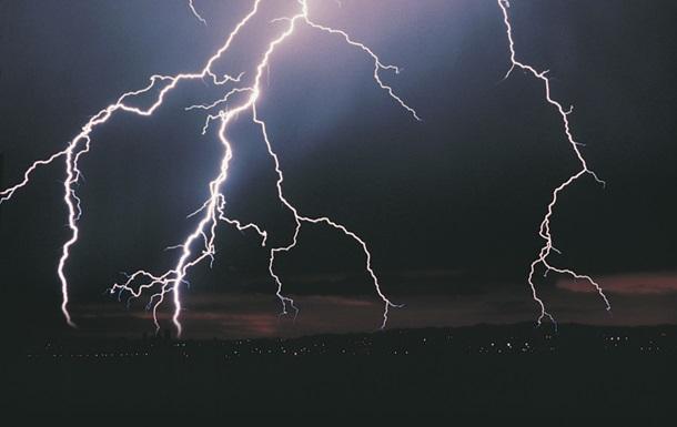 В Индии молния убила 14 человек