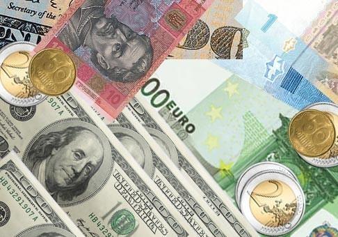 В августе курс валют зависит от нескольких факторов