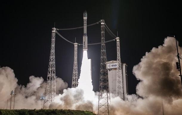 Ракета Vega с двумя спутниками стартовала с космодрома Куру