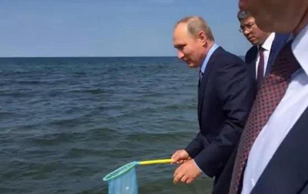 Путин выпустил в Байкал молодь омуля
