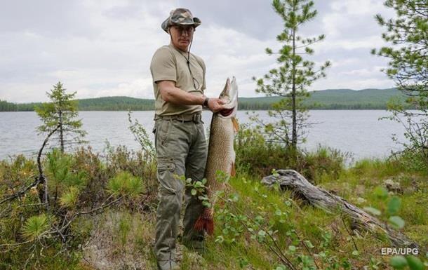 З явилося відео підводної риболовлі Путіна