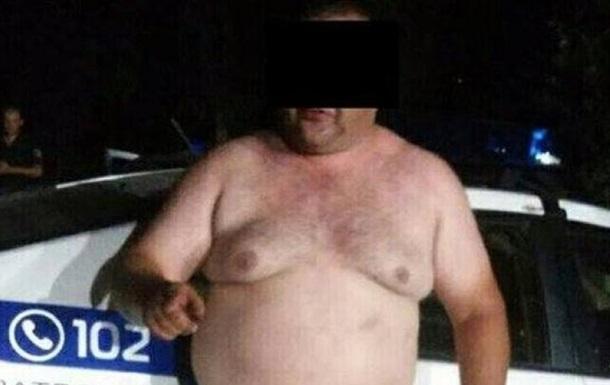 В Кривом Роге задержали полуголого офицера полиции